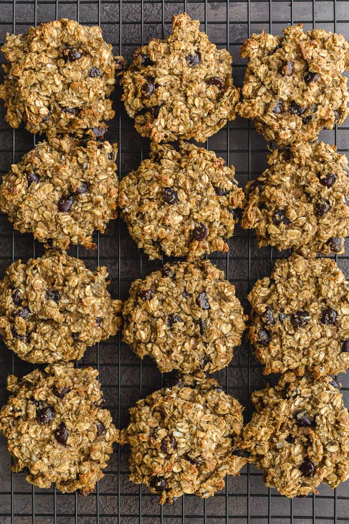 Avocado cookies with bananas and oats cooling on a wire rack.