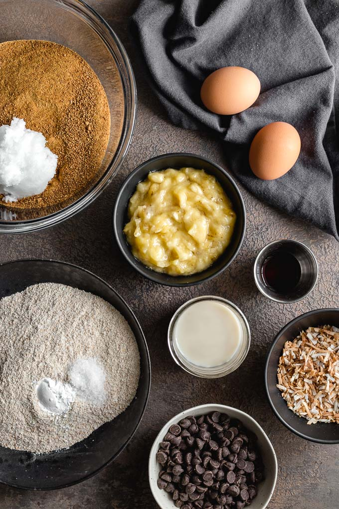 Ingredients to make banana bread with spelt flour.